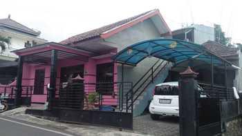 Abee Homestay 1 Malang - Griya Abee - 2 Bedroom Regular Plan
