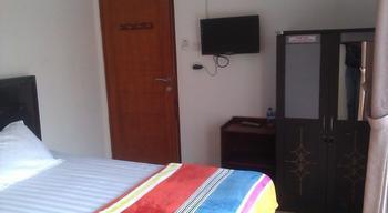 Rumah Sarwestri Bed & Breakfast Bandung - Standard Sharing Bathroom Regular Plan
