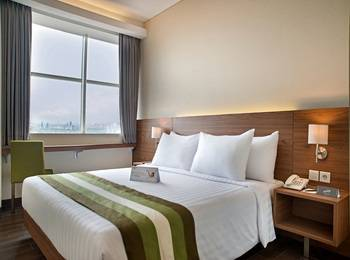 Grand Whiz Poins Square Simatupang - Deluxe Room Last Minute Deal