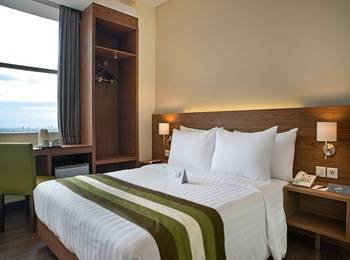 Grand Whiz Poins Simatupang Jakarta Simatupang - Superior Double Room Only MINIMUM STAY PROMO