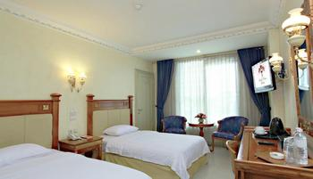 Hotel Prima Cirebon - Deluxe Twin Bed Regular Plan