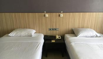 Hotel Prima Cirebon - Superior Twin Bed Regular Plan