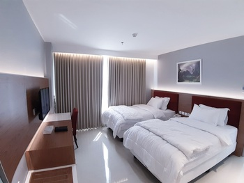 Hotel Prima Cirebon - Junior Suite Twin Bed Regular Plan