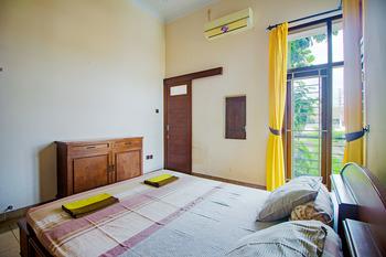 Athaya Pakuncen Guest House Syariah