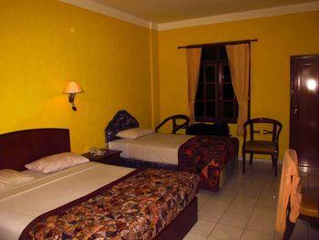 New Arena Beach Resort and Hotel Bali - Deluxe Triple room Regular Plan
