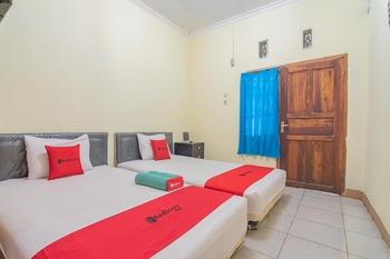 RedDoorz Syariah @ Lafa Park Adventure Bekasi - RedDoorz Twin Room Best Deal