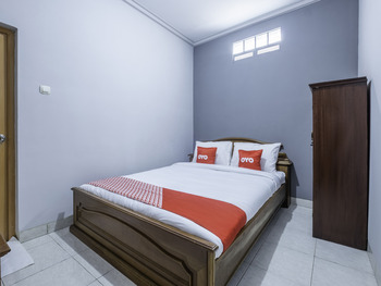 OYO 1859 Rancabali Residence Bandung - Standard Double Room Regular Plan