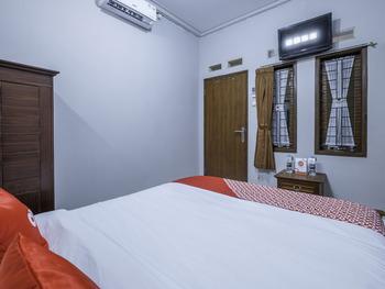 OYO 1859 Rancabali Residence Near Rumah Sakit Mitra Kasih Bandung - Standard Twin Room Regular Plan