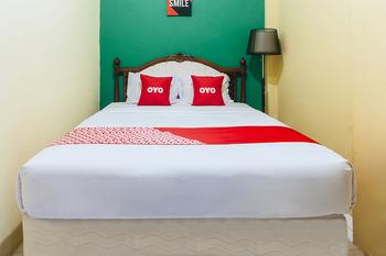 OYO 2165 Alyah Guest House Syariah Ambon - Standard Double Room Early Bird