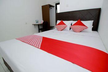 OYO 1678 Jati Exclusive Homestay Bengkulu - Deluxe Double Room Regular Plan