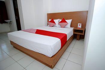 OYO 1678 Jati Exclusive Homestay Bengkulu - Suite Family Regular Plan