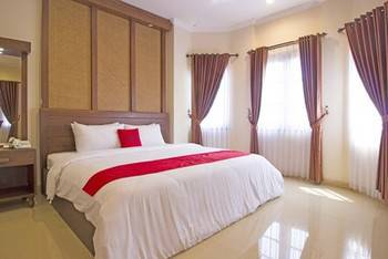 RedDoorz Premium near Solo Grand Mall Solo - RedDoorz Premium Room Regular Plan