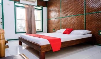 RedDoorz Plus near Jalan Baru Bogor Bogor - RedDoorz Premium Room Basic Deal
