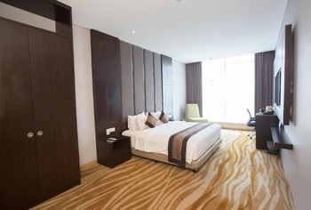 Grand Tjokro Bandung - Junior Suite With Breakfast Regular Plan