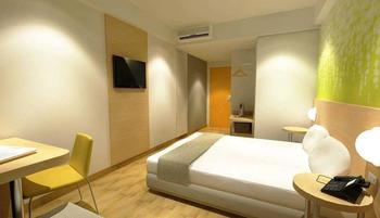 Zest Hotel Batam - Zest Twin Room Pay Now and Save - 15%