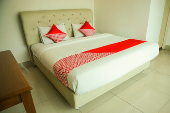 OYO 733 Mina Homestay Bukittinggi - Standard Double Room Regular Plan