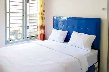 Homestay Top Medan - Standard Room Basic Deals