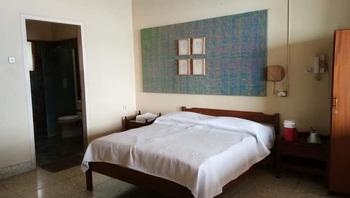 Bunga Ayu Seaside Resort Sukabumi - Deluxe KP 1 Breakfast Regular Plan