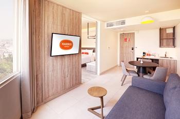 HARRIS Hotel & Conventions Bundaran Satelit Surabaya Surabaya - HARRIS Suite Regular Plan
