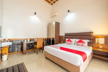 OYO 1210 Nice Guesthouse Bandung - Deluxe Double Room Promotion