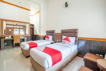 OYO 1210 Nice Guesthouse Bandung - Standard Twin Room Free Cancellation Promotion
