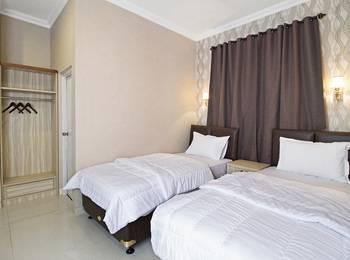 Flamenco Hotel RedDoorz Cideng Barat - Deluxe Room Regular Plan