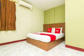 OYO 1703 Terang Bintang Hotel Batam - Deluxe Double Room Early Bird