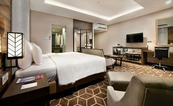 Swiss-Belinn Tunjungan Surabaya - Junior Suite Room Only Regular Plan