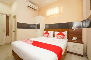OYO 450 semampir residence Surabaya - Deluxe Double Room Regular Plan