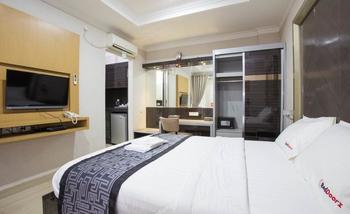 RedDoorz Plus near Pondok Indah Mall Jakarta - RedDoorz Room Special Promo Gajian