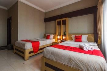 RedDoorz Syariah @ Cipanas Puncak - RedDoorz Family Room Regular Plan