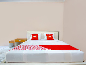 OYO 2974 Penginapan Roma 88 Sumedang - Standard Double Room Early Bird Deal
