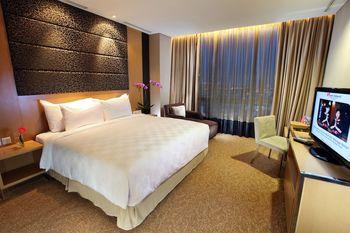 Swiss-Belhotel Mangga besar,Jakarta - Junior Suite With Breakfast Weekday Sale