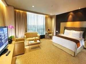 Swiss-Belhotel Mangga besar,Jakarta - Executive Club Termasuk Sarapan Weekend Gateaway