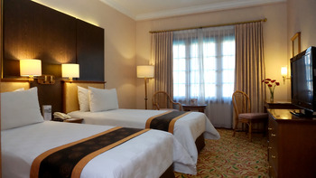 Prime Plaza Hotel Yogyakarta - Deluxe Pool View Twin Bed Regular Plan