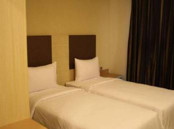 Sparks Odeon Sukabumi - Superior Room Regular Plan