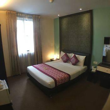 Hotel Rae Bukit Bintang Kuala Lumpur - Executive Queen Diskon 60%