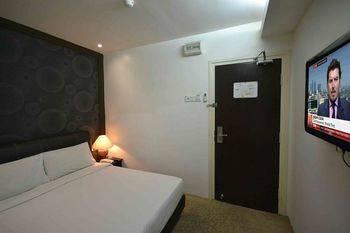 Hotel Rae Bukit Bintang Kuala Lumpur - Deluxe Queen Diskon 60%