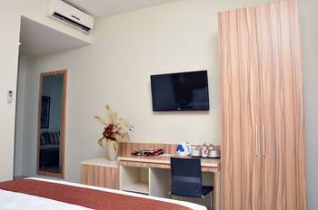 Rangkayo Basa Halal Hotel Padang - Deluxe Room Regular Plan
