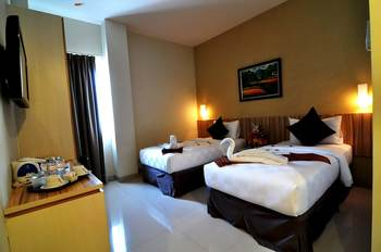 Rangkayo Basa Halal Hotel Padang - Superior Room Regular Plan