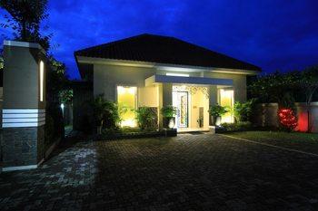 Natura Rumah Singgah Guest House