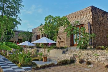 Kabeh Jati Garden Villa and Restaurant