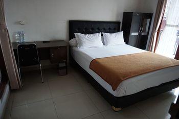 Rumah Sarwestri B&B Bandung - Superior Double Room Regular Plan