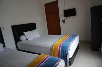Rumah Sarwestri B&B Bandung - Standard Twin Room, Shared Bathroom Regular Plan
