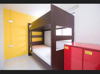 G4 Station Backpackers' Hostel Singapore - 2 Beds in 2-Bed Mixed Room