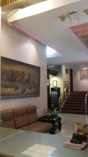 Hotel Surya Lama