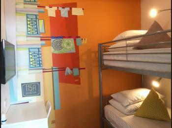 Five Stones Hostel Singapore - Private Deluxe Double Room Regular Plan