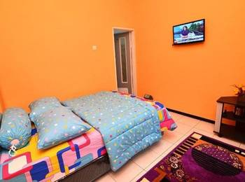 Midi Homestay Malang - Standard Room Regular Plan
