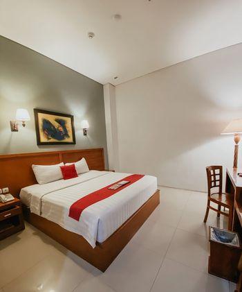 Prima SR Hotel & Convention  Yogyakarta - Superior King Dengan Sarapan Regular Plan