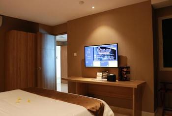 Wing Hotel Kualanamu Airport Deli Serdang - Deluxe Room Regular Plan